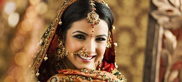 WEAR THE BRIGHTEST SMILE ON YOUR SPECIAL DAY!